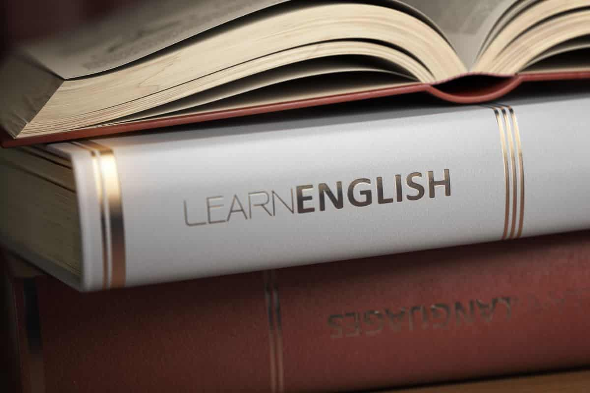 learn-english-books-and-textbooks-for-english-stud-GL46ECR